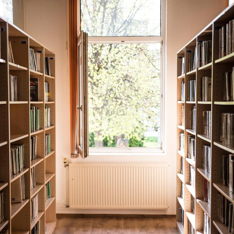 Knižnica je tu pre vás